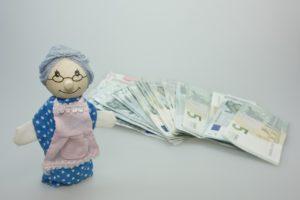 babcia i pieniądze